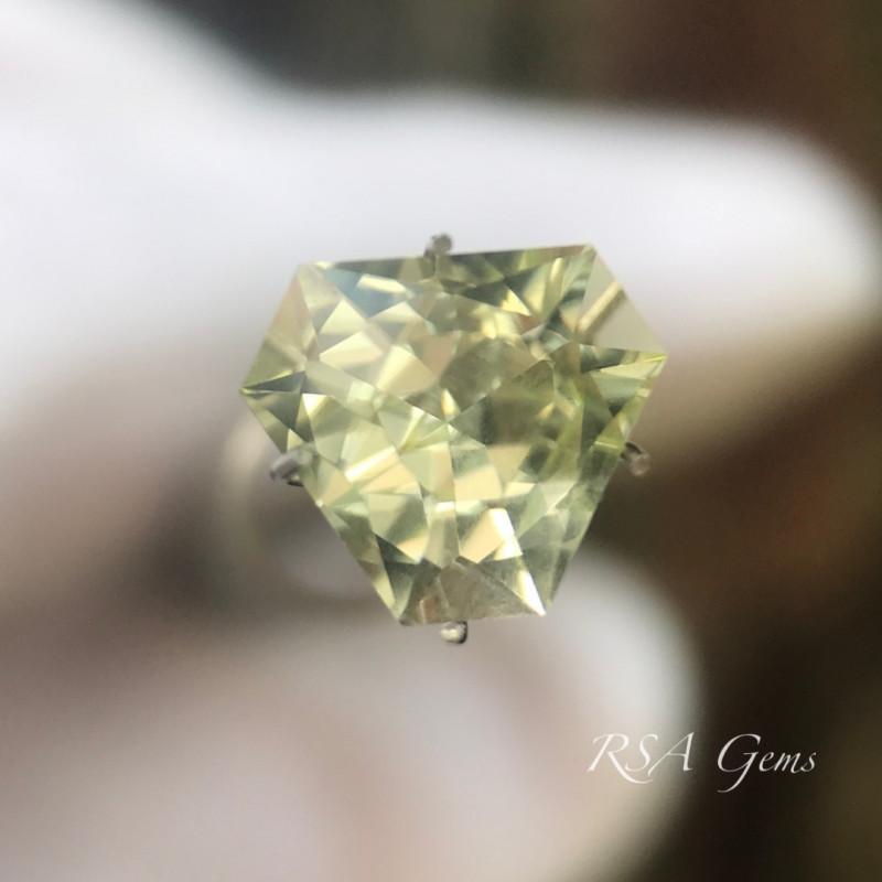 Sparkling Heliodor - 2.26 carats