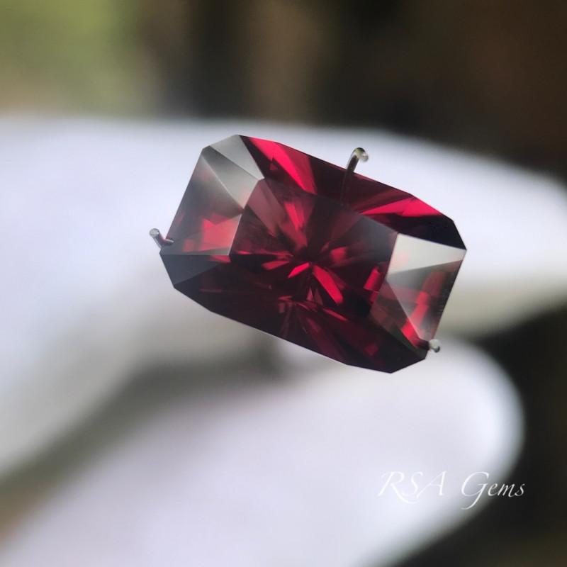 Mahenge Ganet - 7.09 carats