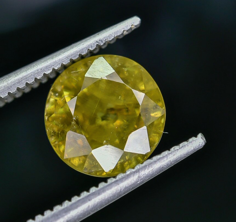 2.74 Crt Natural Sphene Faceted Gemstone AB(23)