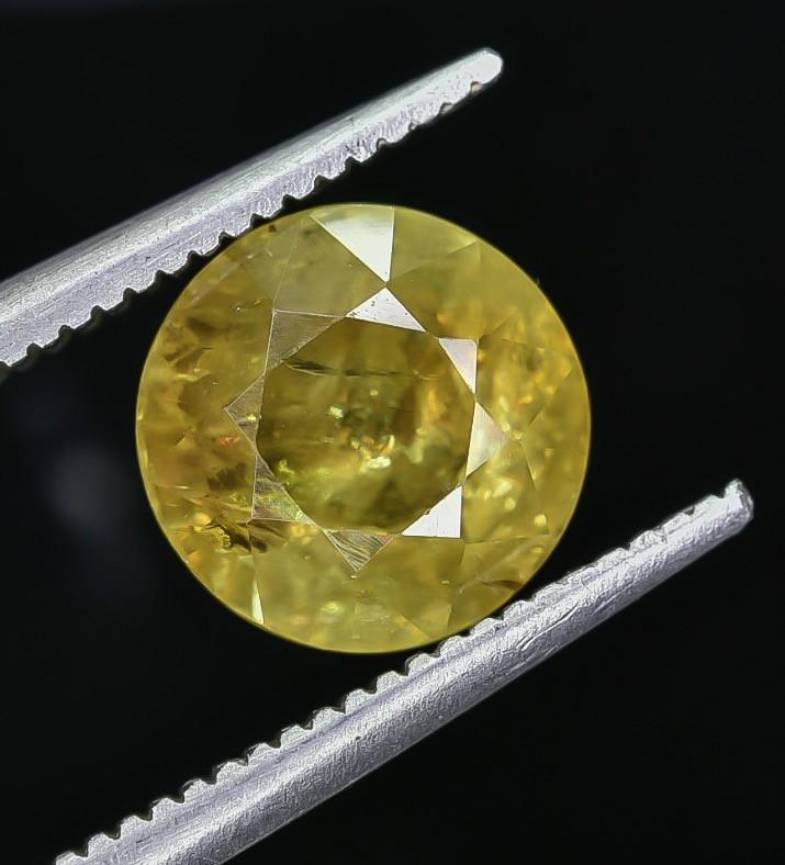 2.71 Crt Natural Sphene Faceted Gemstone AB(23)