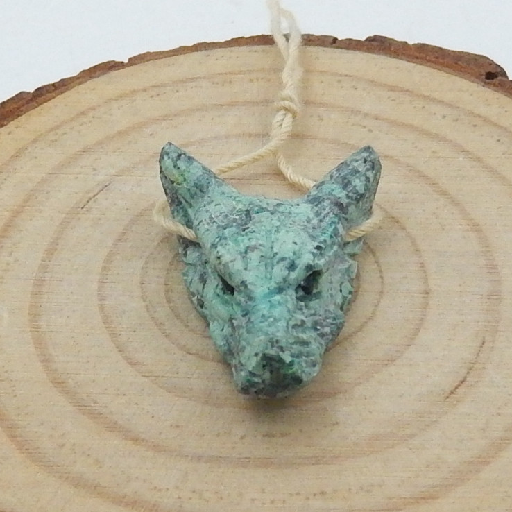 14cts Natural wolf head, Handmade African Turquoise Carved Wolf Head Pendan