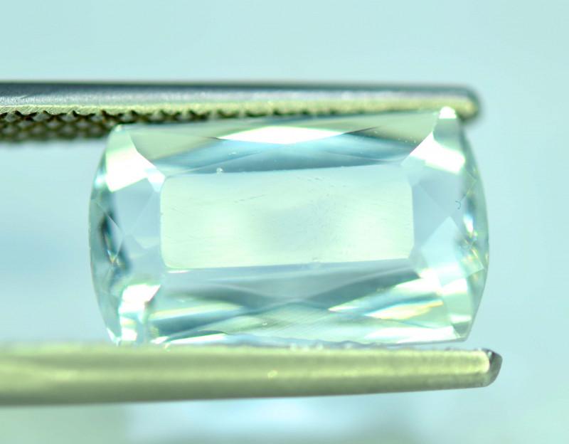 7.20 Carats Natural Untreated Aquamarine Gemstone From Pakistan