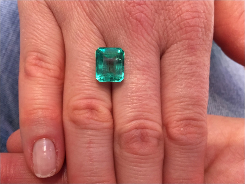 6,03ct Colombian Emerald Ref 13/76