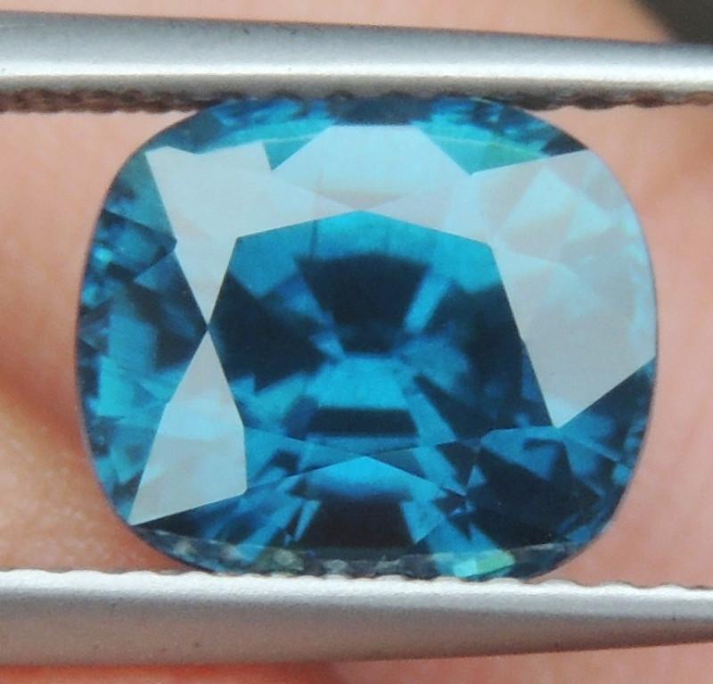 4.55cts, Velvet Blue Zircon