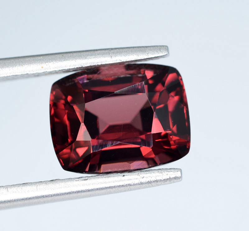 AIG CERT ~ 3.26 Ct Natural Red Spinel ( burma ) Gemstone