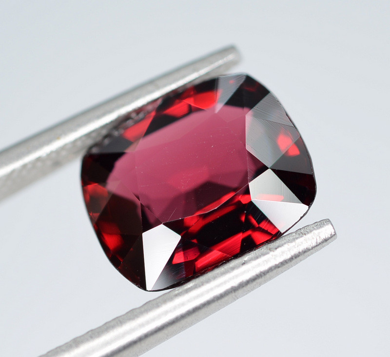 AIG CERT ~ 2.92 Ct Natural Red Spinel ( burma ) Gemstone