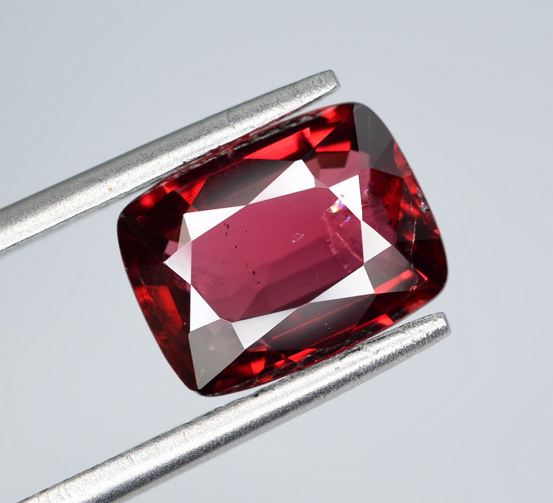 AIG CERT ~ 2.84 Ct Natural Red Spinel ( burma ) Gemstone
