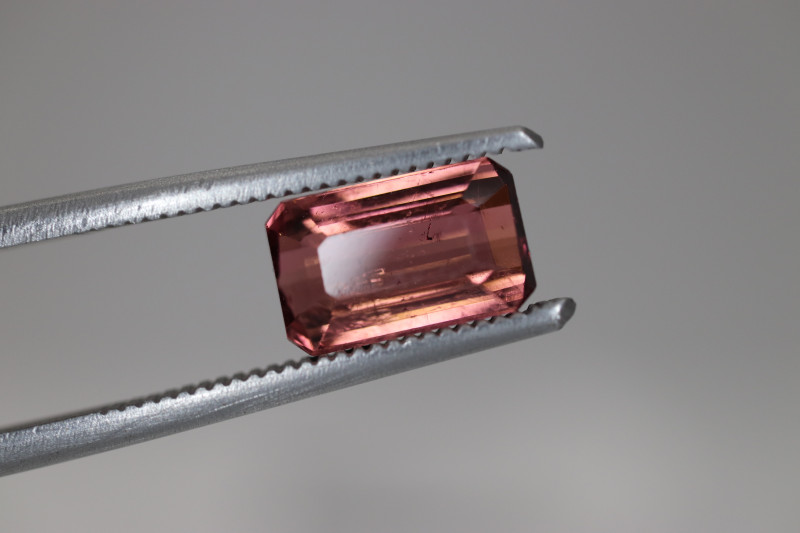 #192 1.94CT COLOR  UNTREATED EYE CLEAN