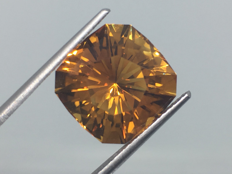 7.45 Carat VVS Citrine Master Cut Exquisite Quality Incredible Flash !