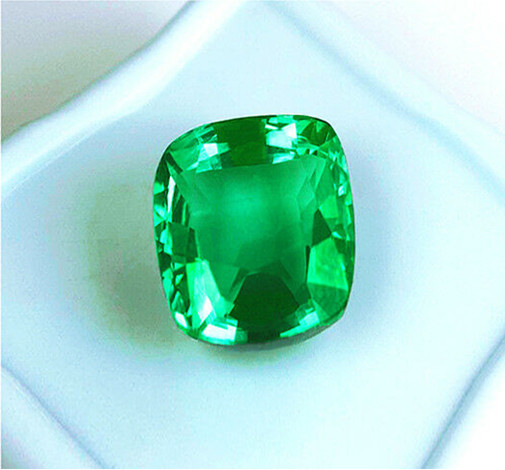Absolute High-End! 1.21 Ct Magnificent Colombian Emerald
