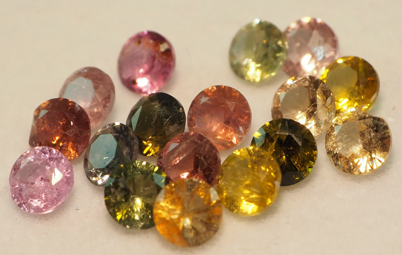 4.45CT MIXED FACETED PARCEL (17 STONES) ME30
