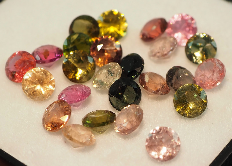 6.60CT MIXED FACETED PARCEL (24 STONES) ME33