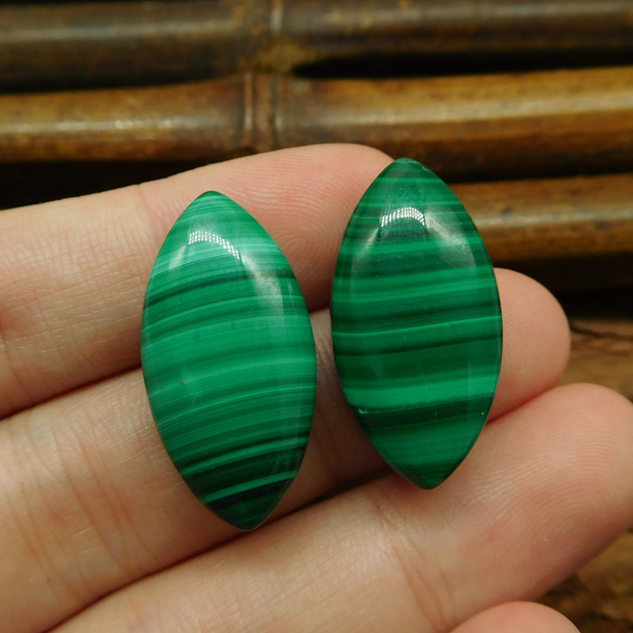 2PCS MALACHITE CABOCHON BEAD (G0836)