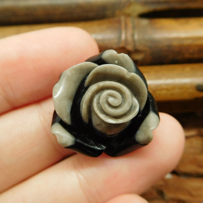 Gemstone intarsia stone carved flower bead (G0838)