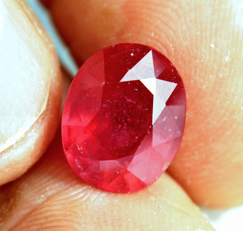 7.61 Carat Fiery African Ruby - Gorgeous