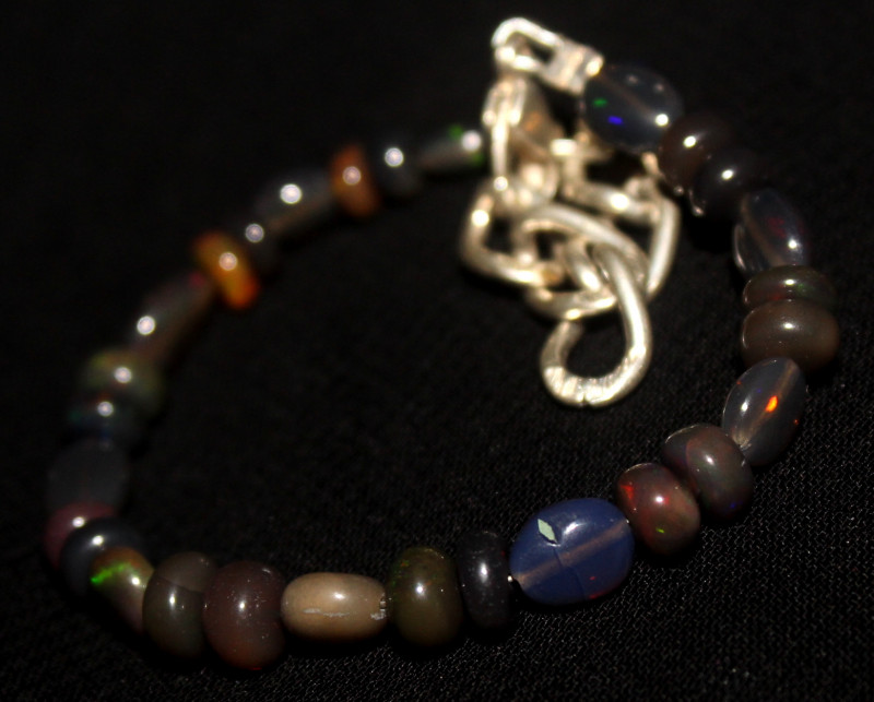21 Crts Natural Welo Smoked Opal Beads & Nuggets Bracelet 581