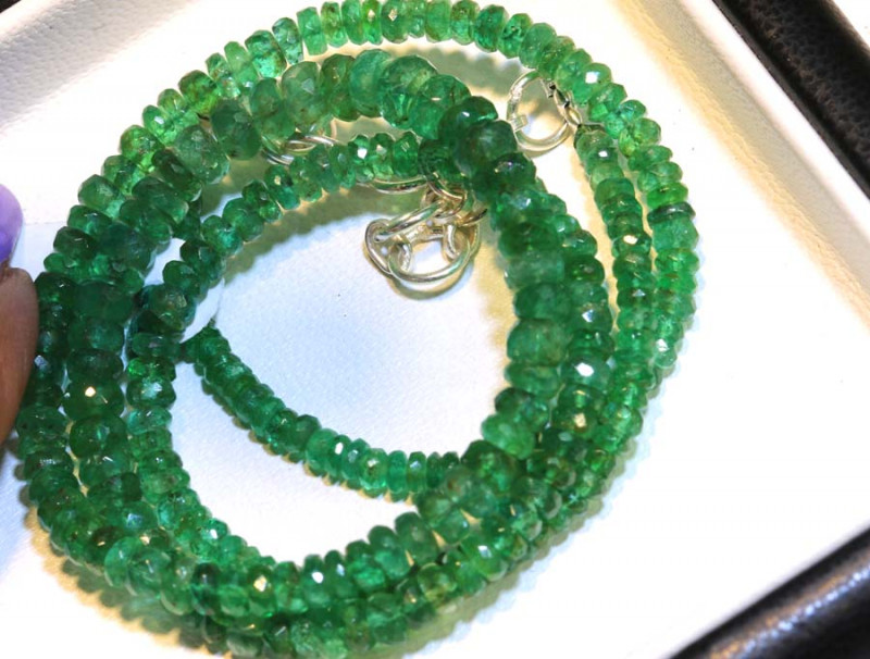 52.35- 16.5 INCES  CTS EMERALD BEADS STRAND PG-2592