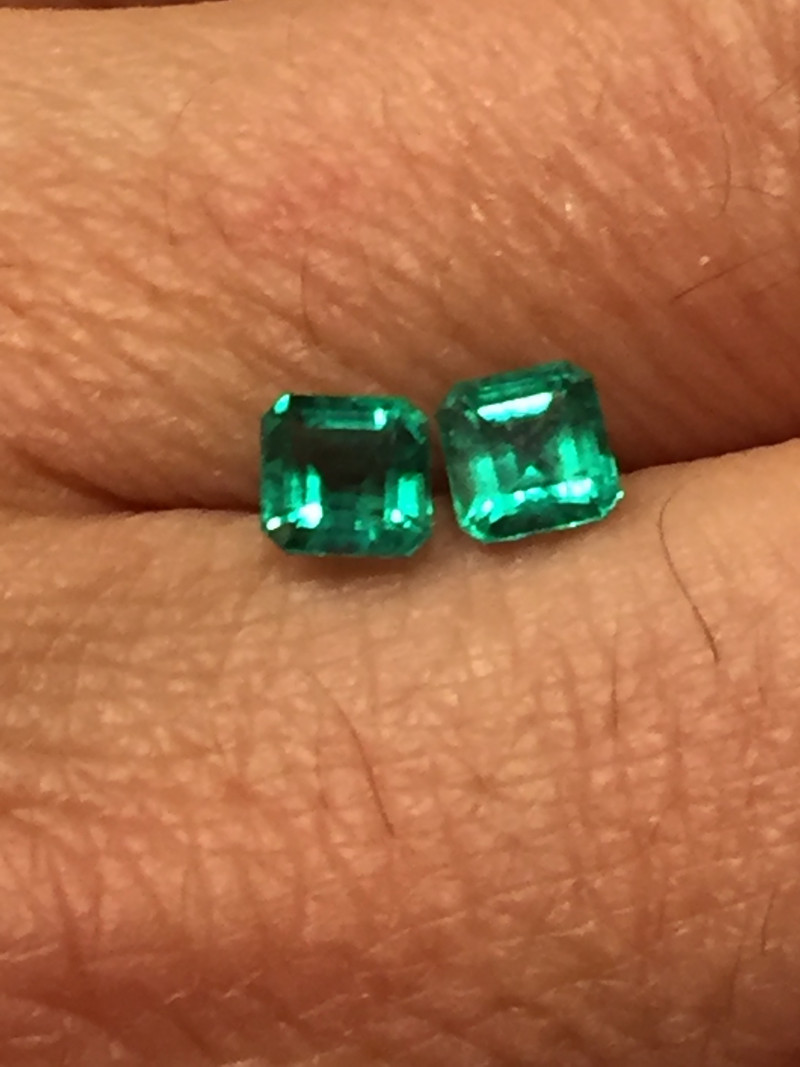 1,40ct pair of Colombian Emeralds ref 16/21 Colombian Emeralds Colombian Em
