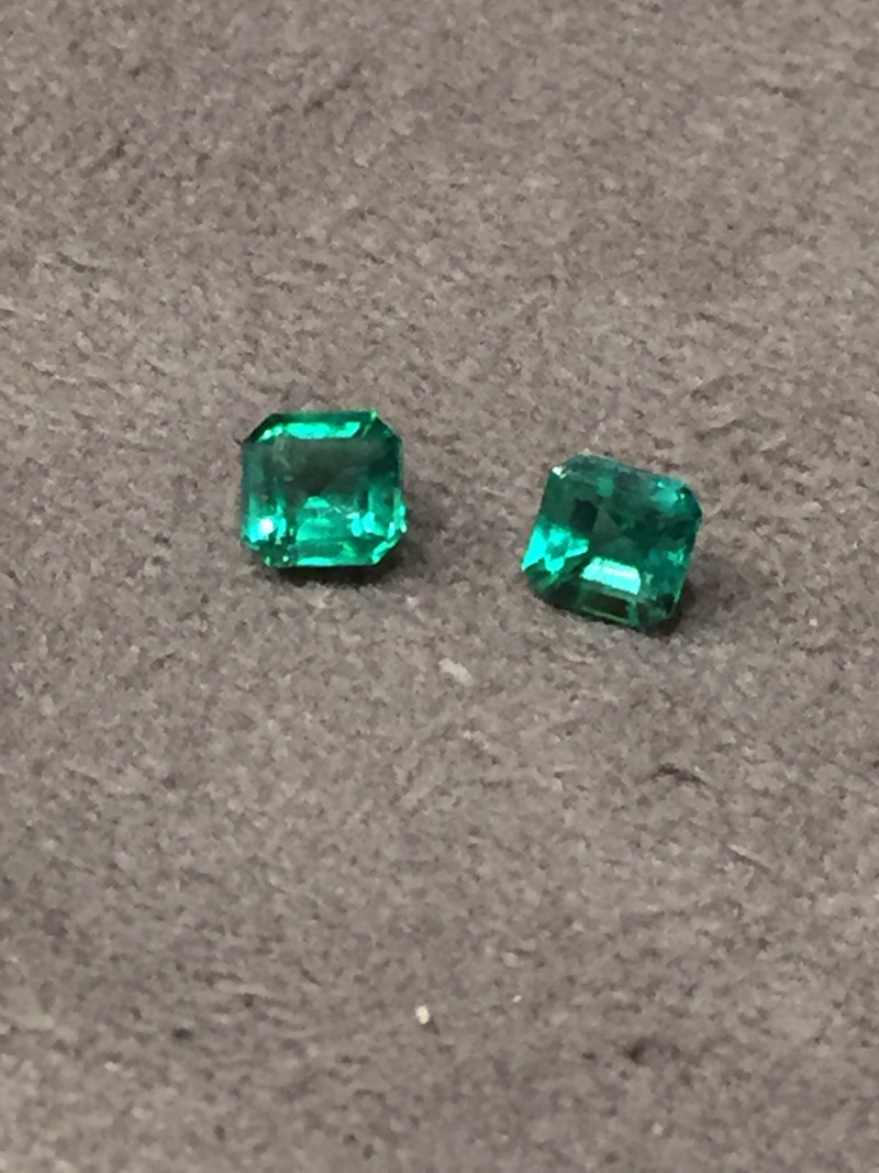1,44ct Pair of Colombian Emeralds  ref 17/21 Colombian Emeralds Colombian E