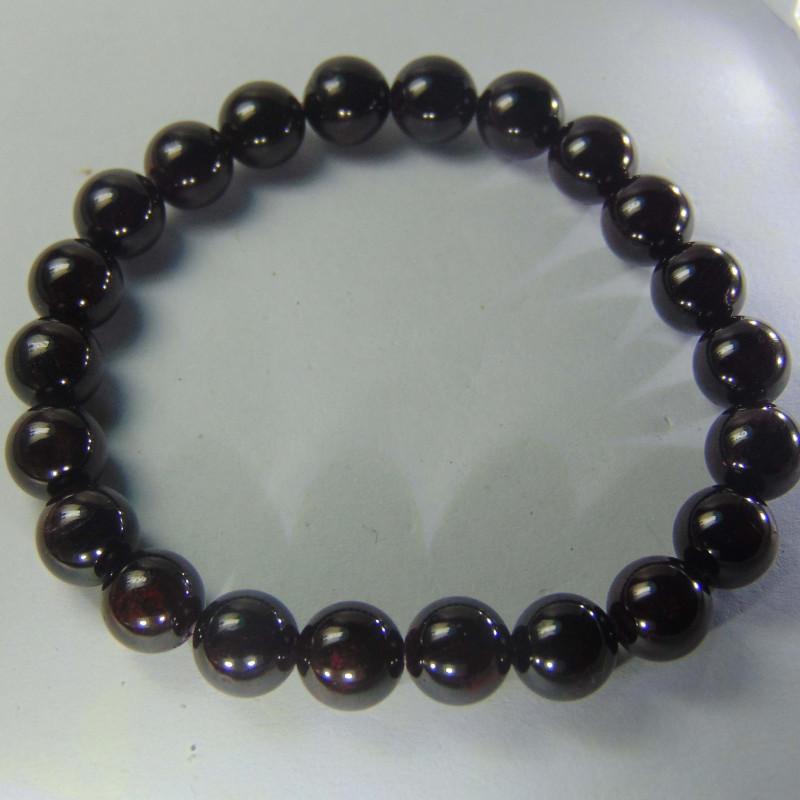 Beautiful  garnet beads cabs Bracelet