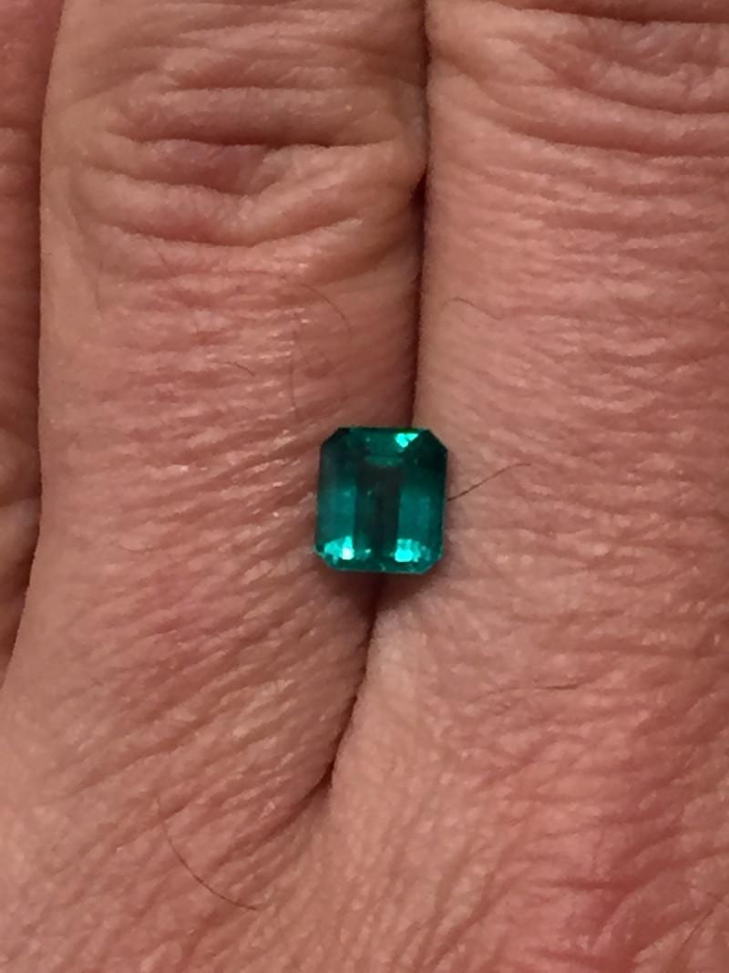 1,50ct Colombian Emerald ref 18/21