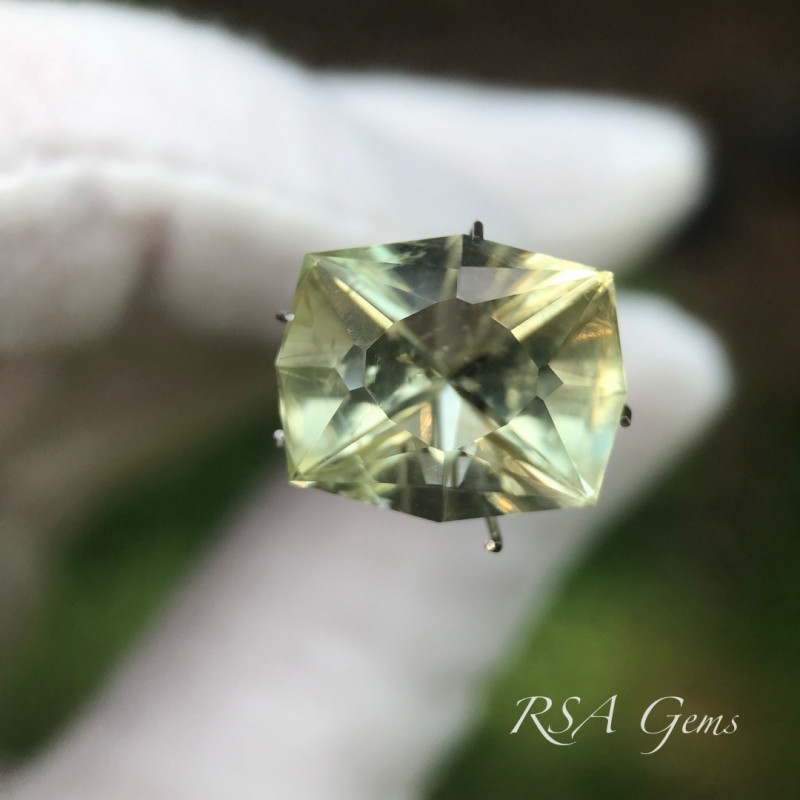 Heliodor - 10.00 carats