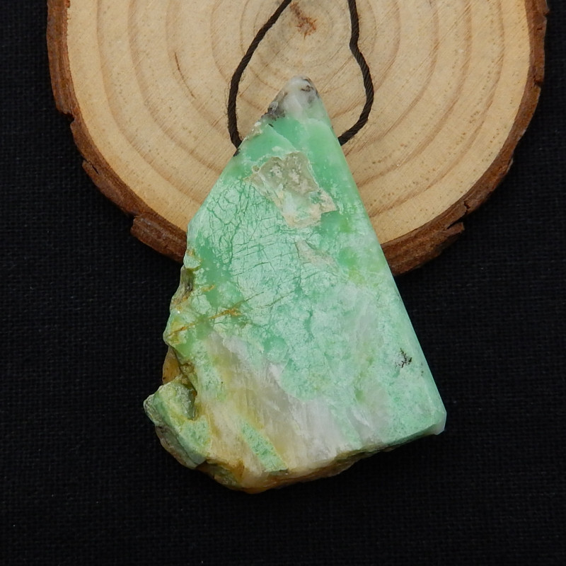 148cts Rare Emerald Gemstone ,Emerald Specimen ,Green Emerald D501
