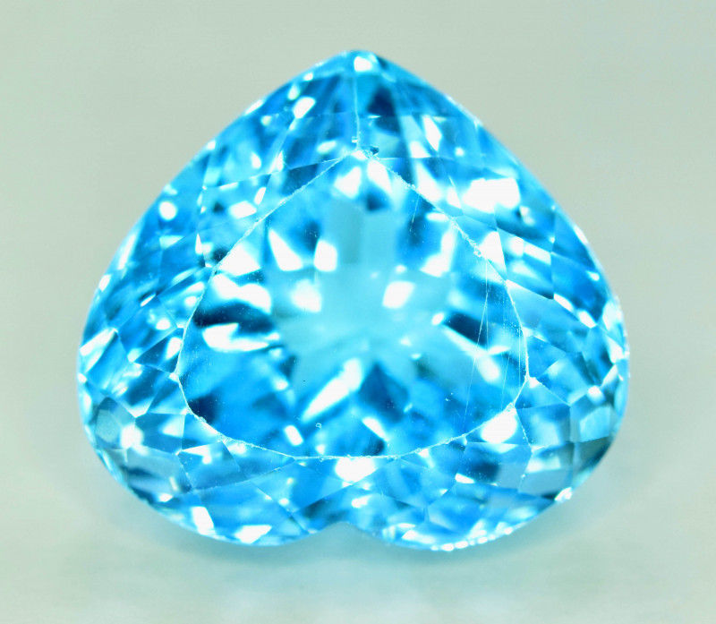 29.85 cts Electric Blue Topaz
