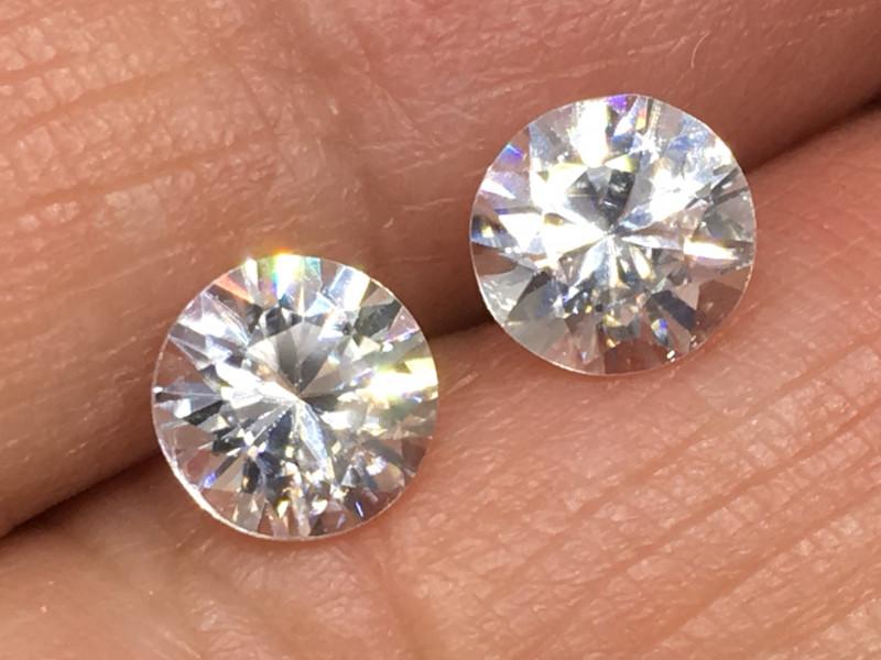 2.40 Carat VVS Zircon Pair - Diamond White Color - Color Flash Quality !