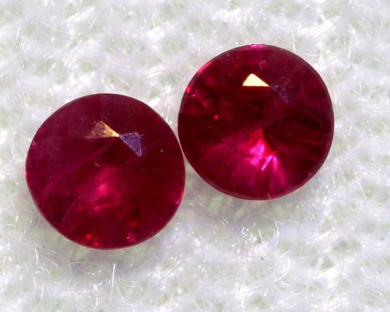 0.29 CTS   NATURAL RUBY FACETED STONE PAIR CG-2711