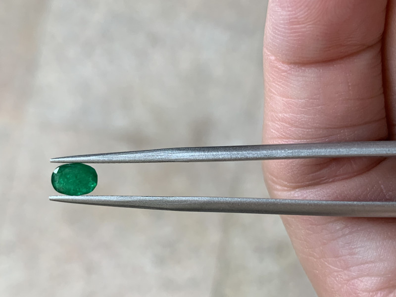 0.47 oval cut emerald