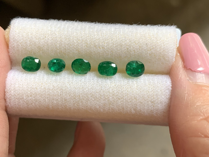 Beautiful 1.8 ct good lustre emeralds from Swat Valley