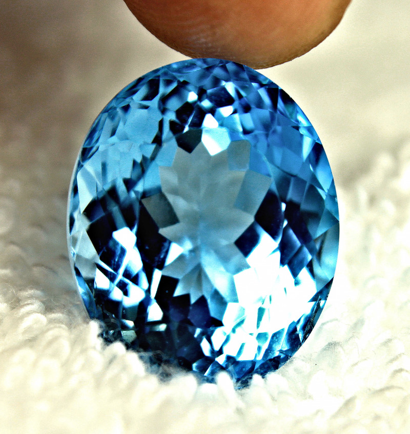 27.68 Carat Blue Brazil VVS Topaz - Gorgeous
