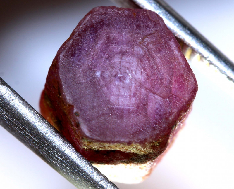 8.86-CTS RUBY ROUGH AFRICA  CRYSTAL UNTREATED   RG-4186