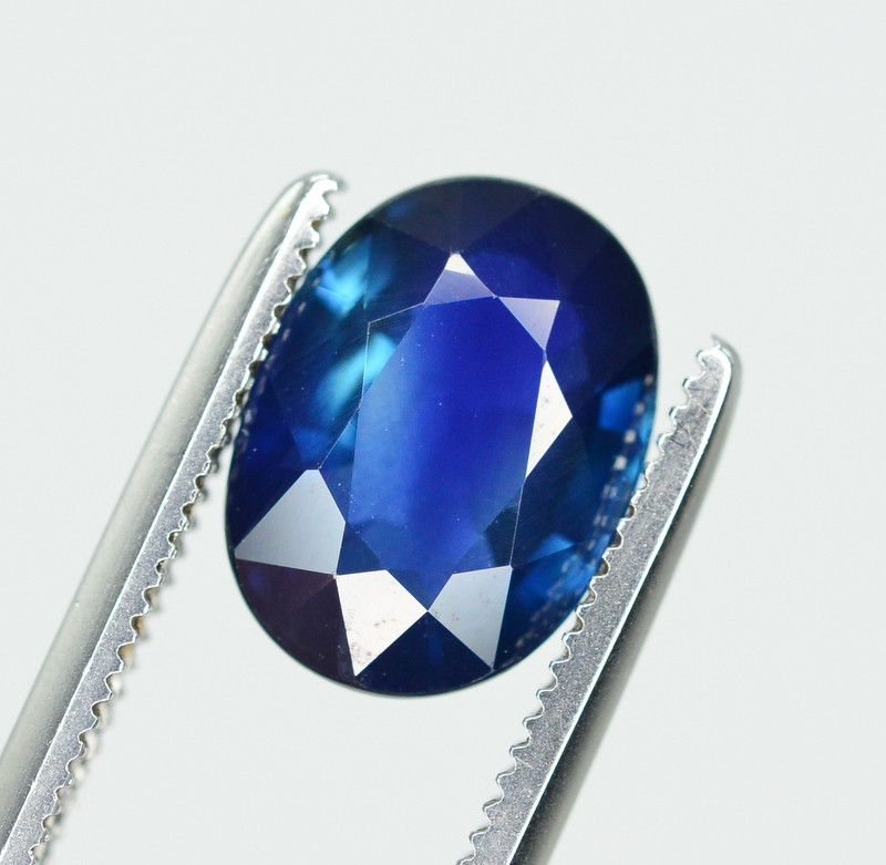 Amazing Color 2.45 Ct Natural Sapphire