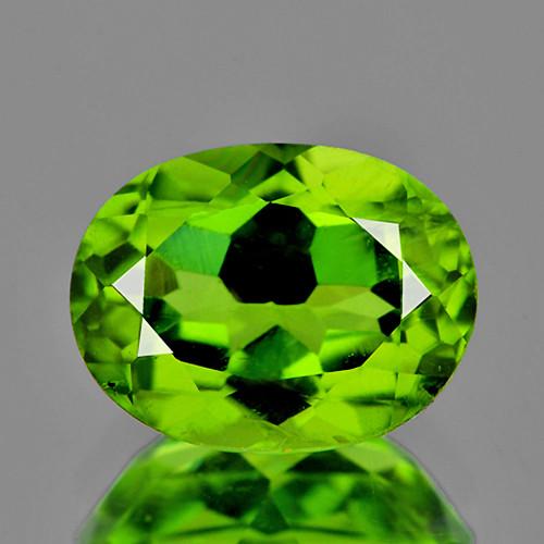 8x6 mm Oval 1.62cts Green Peridot [VVS]