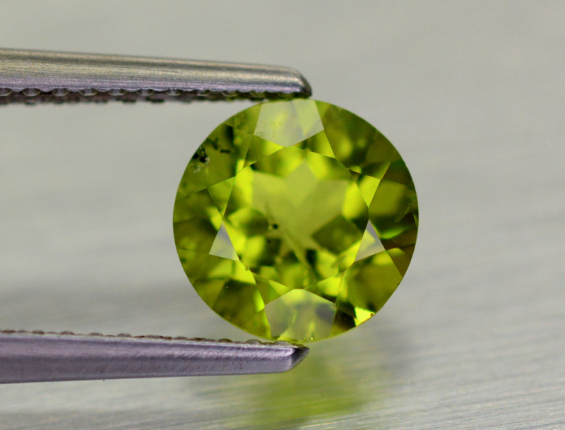 1.65 CT Burma Peridot Gemstone Top Luster
