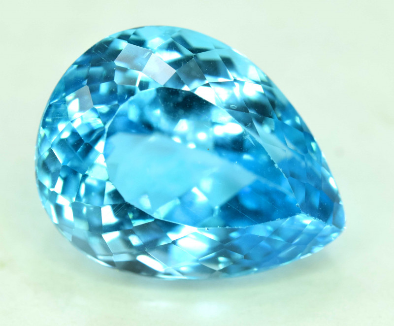 29.90 cts Blue Topaz Gemstone