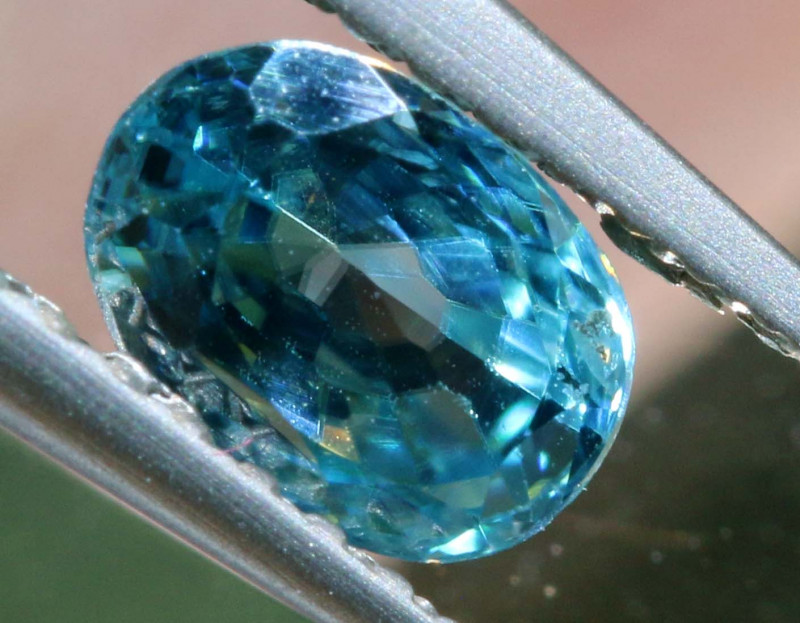 1.09 CTS NATURAL BLUE ZIRCON FACETED PG-2943