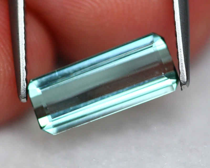 Tourmaline 1.600Ct Natural Green Tourmaline A0502