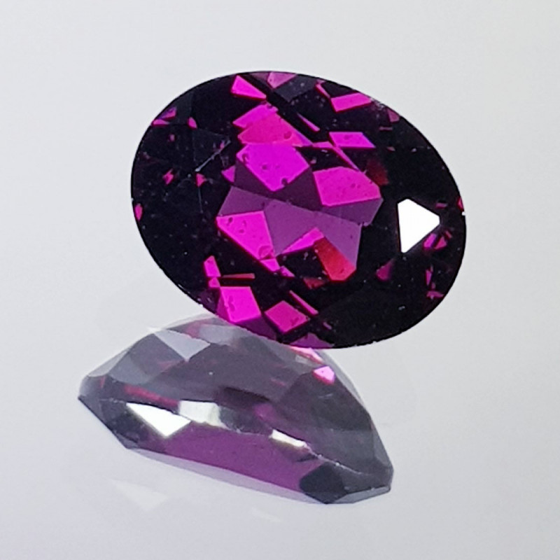 2.65ct Top Grade Gem Oval Cut Natural Purple Pink Rhodolite Garn