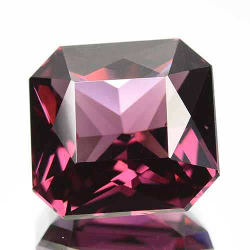 11.67 Cts GORGEOUS  NATURAL RADIANT CUT RHODOLITE GARNET