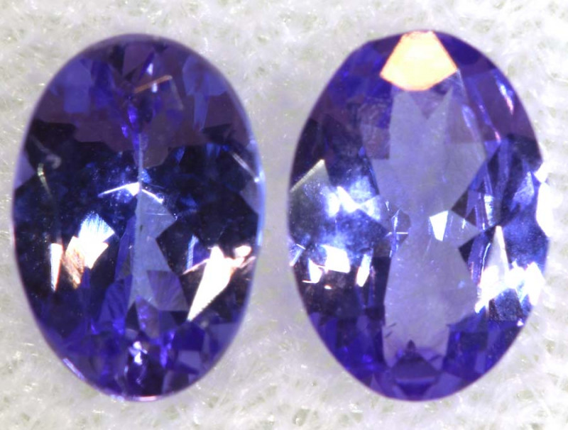 1.62CTS  TANZANITE  FACETED  STONE PAIR PG-2855