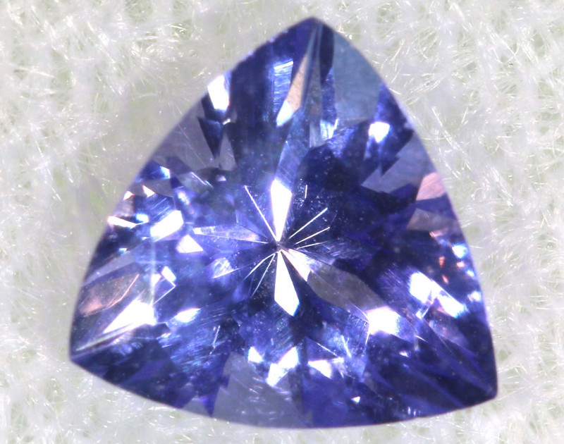 0.76 CTS  TANZANITE  FACETED  STONE  PG-2863