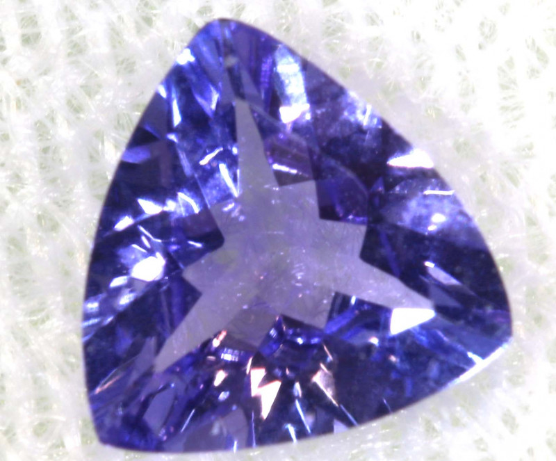 0.61 CTS  TANZANITE  FACETED  STONE  PG-2873