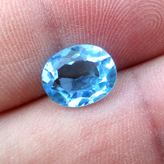 3.48cts Natural Swiss Blue Topaz Oval Cut
