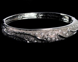 TRADITIONAL STYLE  ZIRCONIA BRACELET     0615