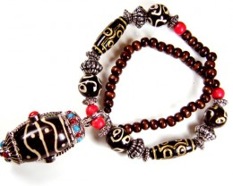 TRIBAL  NECKLACE WOOD N TIBETAN SILVER  TR 509