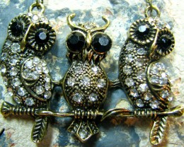 TimeLessDesigns  ANTIQUE BRONZE THREE HEAD OWL PEND/NECKLACE