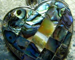 PAUA SHELL PENDANT HEART SHAPE  RHODIUM PLATED
